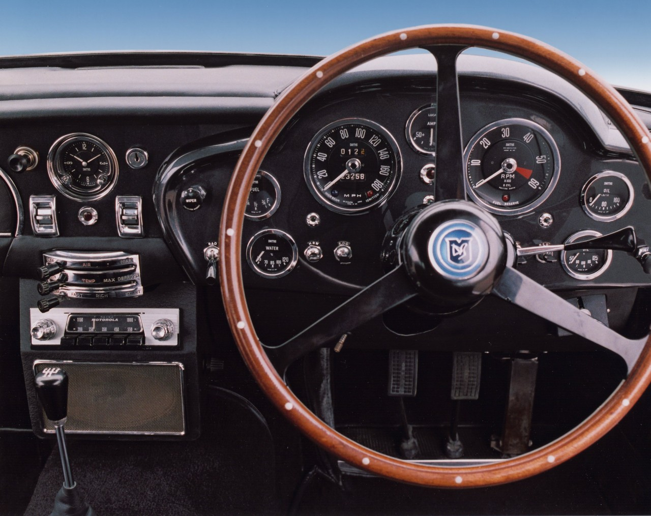 Aston Martin DB5 Speed Clocked By SMITHS Gauges