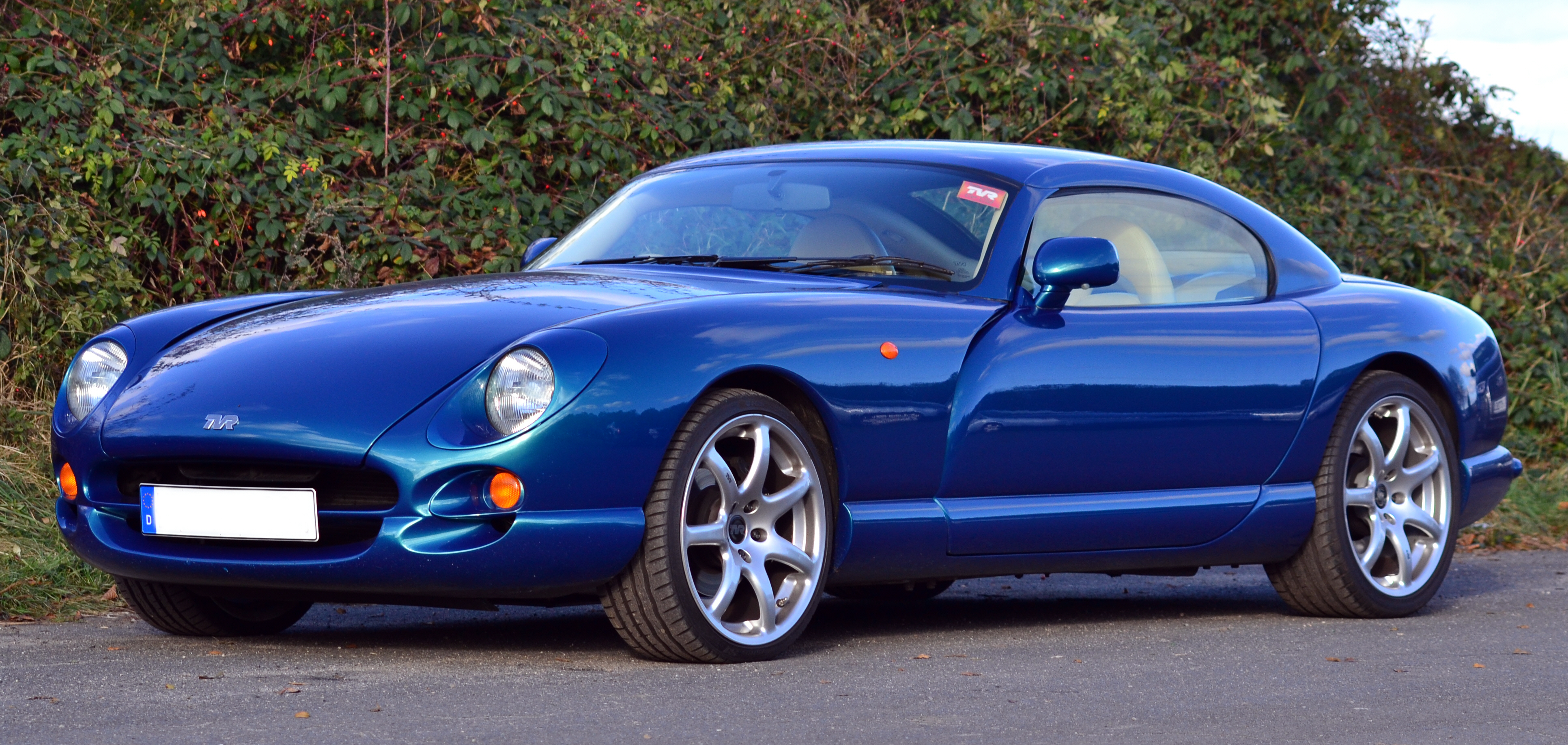 https://www.smiths-instruments.co.uk/documents/blog/cars/tvr/tvr-cerbera-speed-six-02-587.jpg