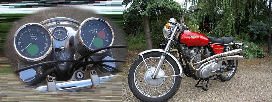 Norton Commando 750 Motorcycle Features SMITHS Gauges