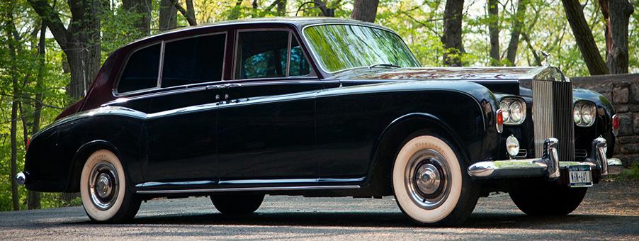 Rolls-Royce Phantom V and VI Feature SMITHS Gauges
