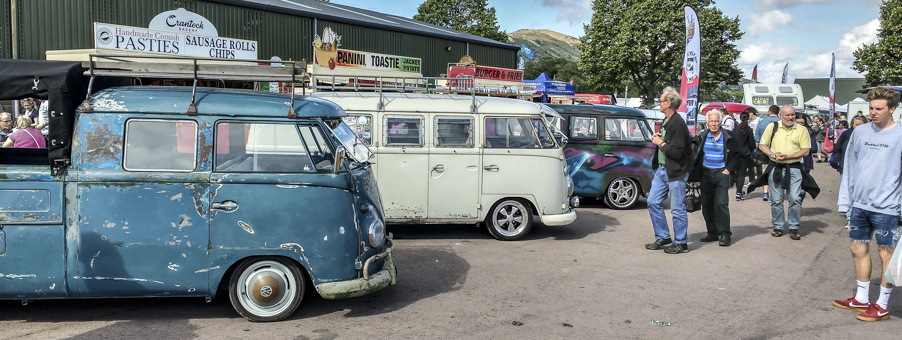 CAI Gauges Draw Crowds at Busfest 2016